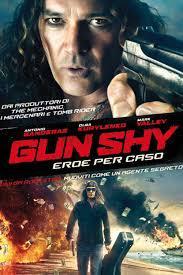 locandina del film GUN SHY - EROE PER CASO