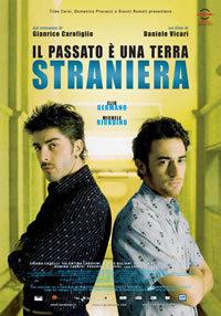 locandina del film IL PASSATO E' UNA TERRA STRANIERA