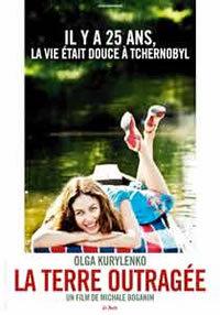 locandina del film LA TERRE OUTRAGEE