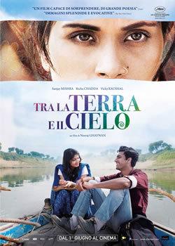 locandina del film TRA LA TERRA E IL CIELO