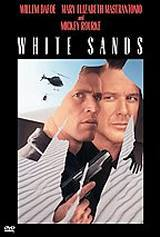 locandina del film WHITE SANDS - TRACCE NELLA SABBIA